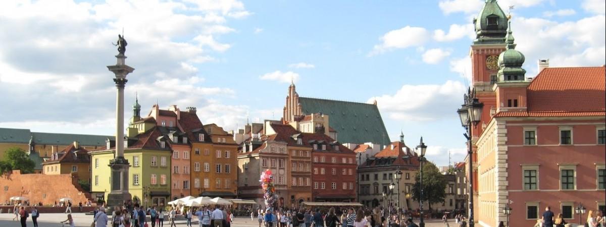 Польська депутатка пропонує Варшаві відкрити міську інфолінію українською мовою