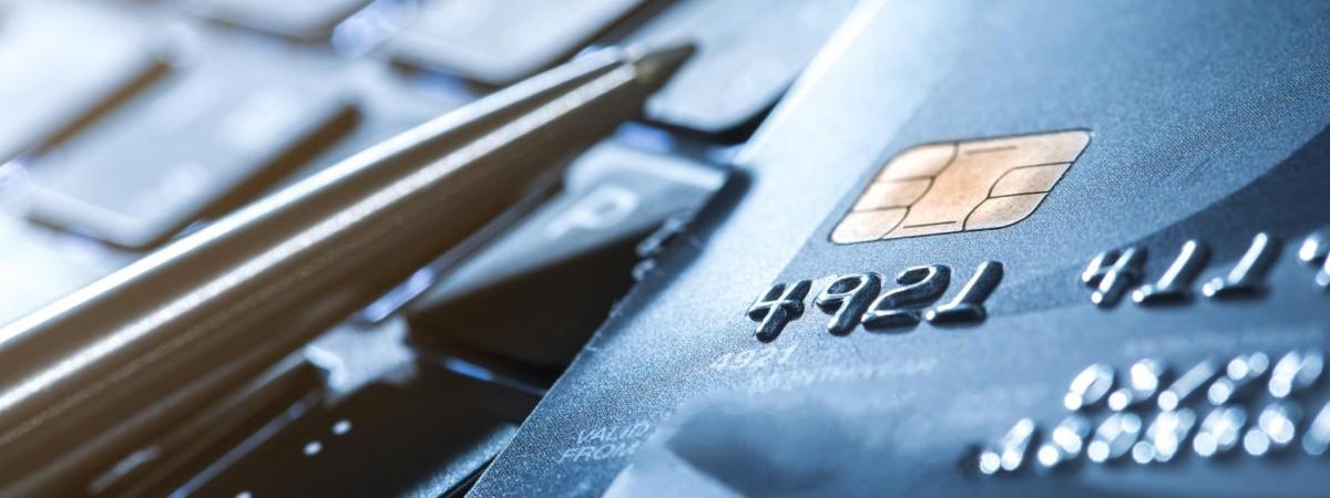 В уряді приготували сюрприз для українців: податкові борги миттєво списуватимуть з банківських рахунків