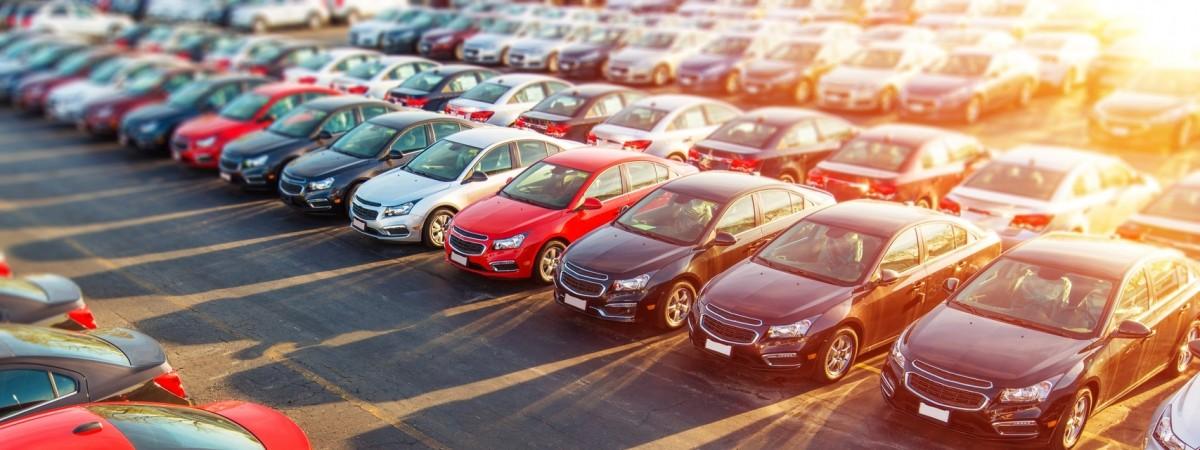 Повышенные штрафы и более дешевая растаможка: в Украине подготовили новые правила для авто на еврономерах