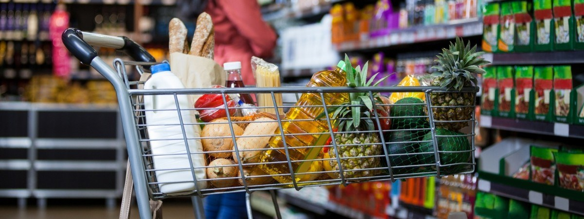 Нове в магазинах Польщі через коронавірус: ліміт на покупців, безкоштовна доставка і не тільки
