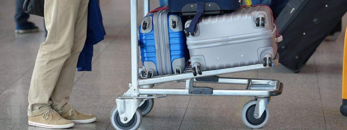 5 важливих новин для українців у Польщі, які планують подорож літаком, потягом чи авто