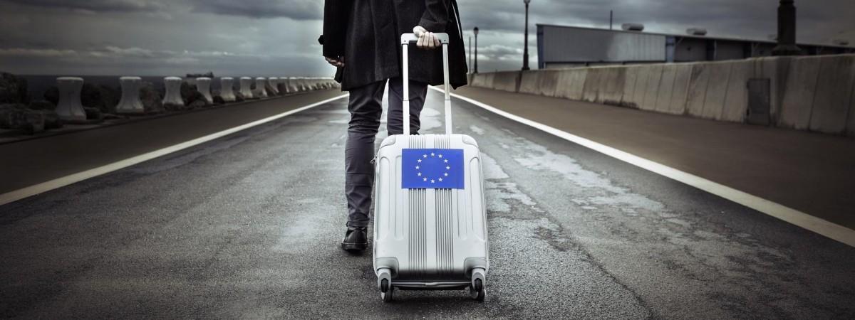 На сезонные работы за границу ежегодно выезжает до 9 млн украинцев