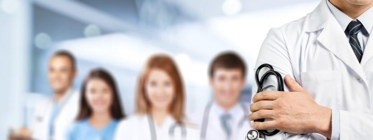 У Польщі хочуть більше витрачати на охорону здоров'я та підвищують зарплати лікарям