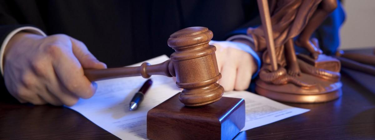 Суди в Польщі двічі протягом року виправдали 3-х українців, яких протримали за гратами 2 роки