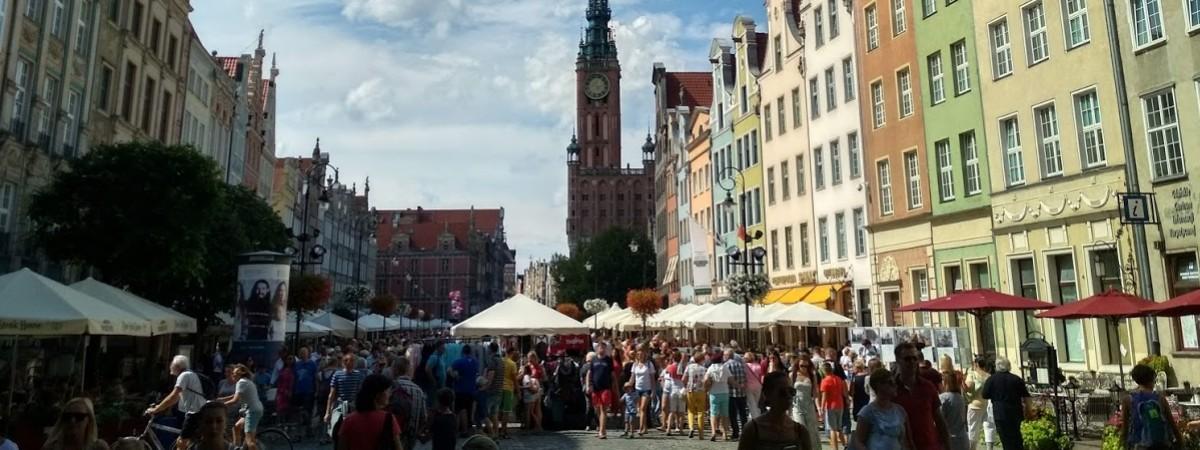 Українці активно їдуть до Польщі туристами: стали відомі цифри