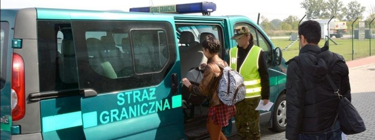 Клієнтами злочинців виявилися 967 українців і білорусів, які в'їхали до Польщі за підробленими запрошеннями