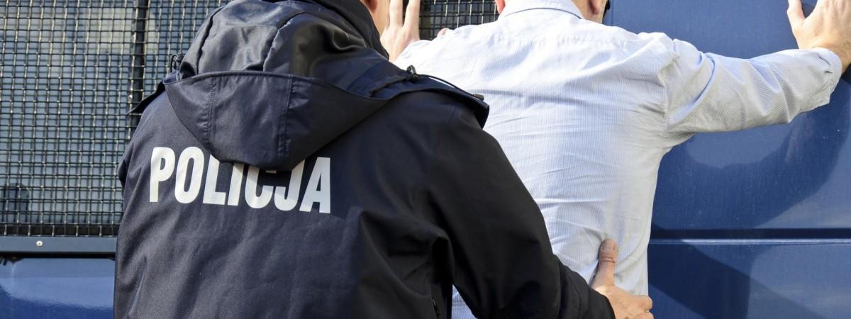П'яний громадянин України на авто в'їхав на пристань в Гданську