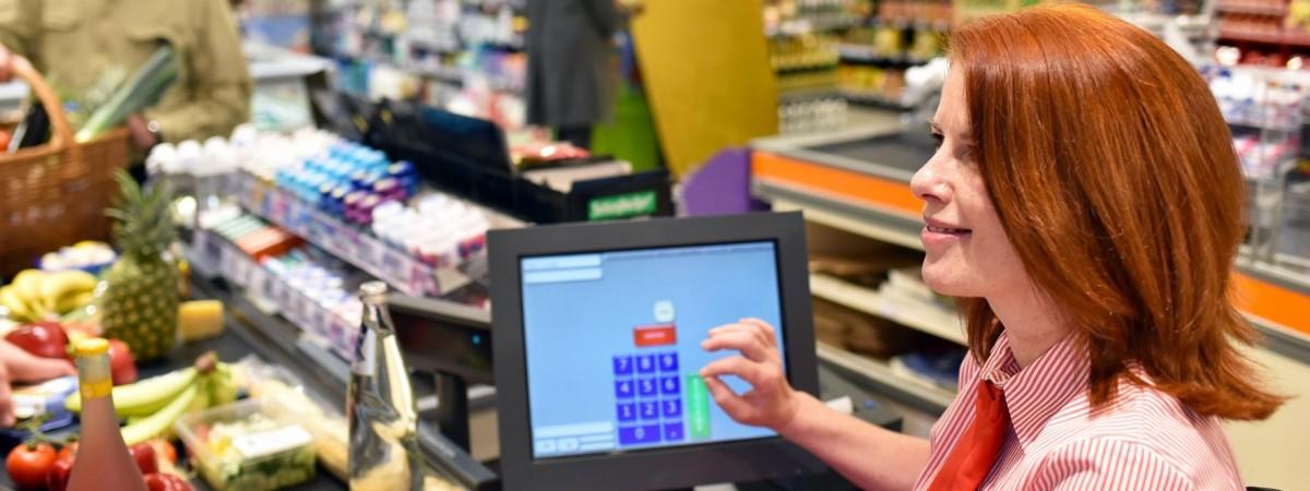 Скидки в Lidl и Biedronka: что выгодно покупать (список товаров)