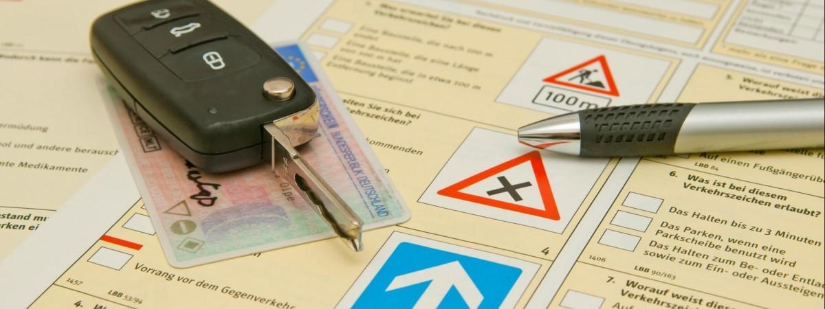 Як отримати права в Польщі? Чи обов'язково міняти українське водійське посвідчення на польське? - відповідає юрист