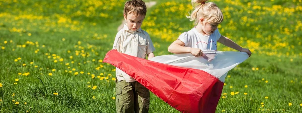 Двойной праздник: 2-го мая Польша празднует День флага и День поляков за границей