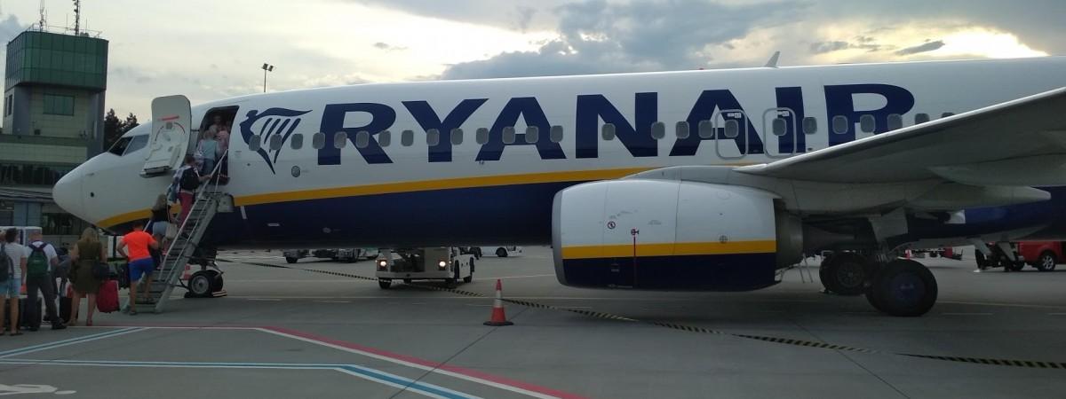 Ryanair дозволив пасажирам безкоштовно змінювати дату вильоту