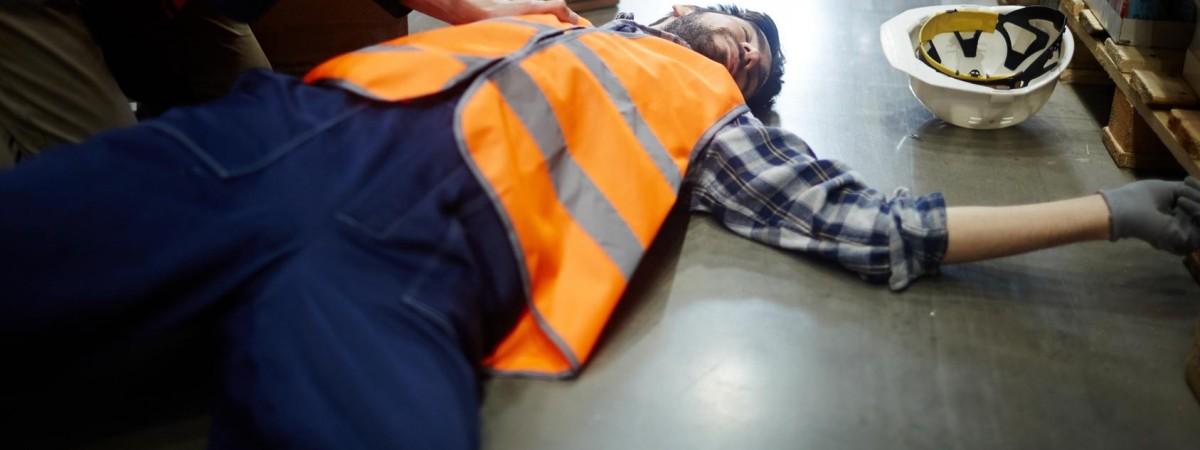 На предприятии в Польше едва не убило украинского работника. Есть детали