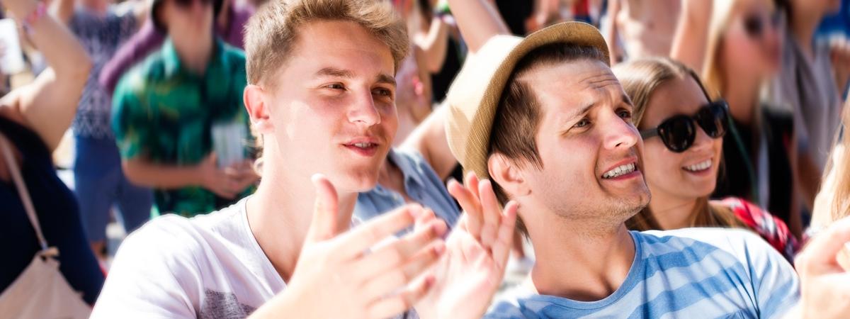 Буде як у Польщі? Українську молодь пропонують звільнити від податку на доходи фізосіб