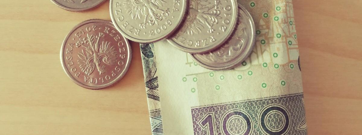 Польша увеличивает размеры некоторых социальных пособий: что нужно учесть украинцам
