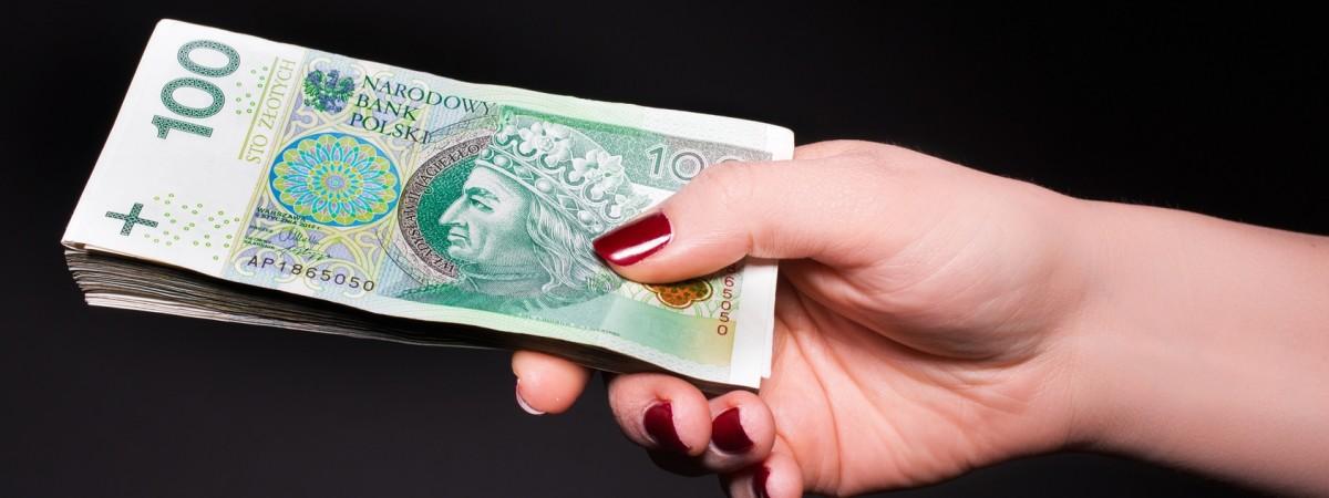 Зарплати українців у Польщі: дослідження каже, що в середньому це 4,5 тис зл брутто