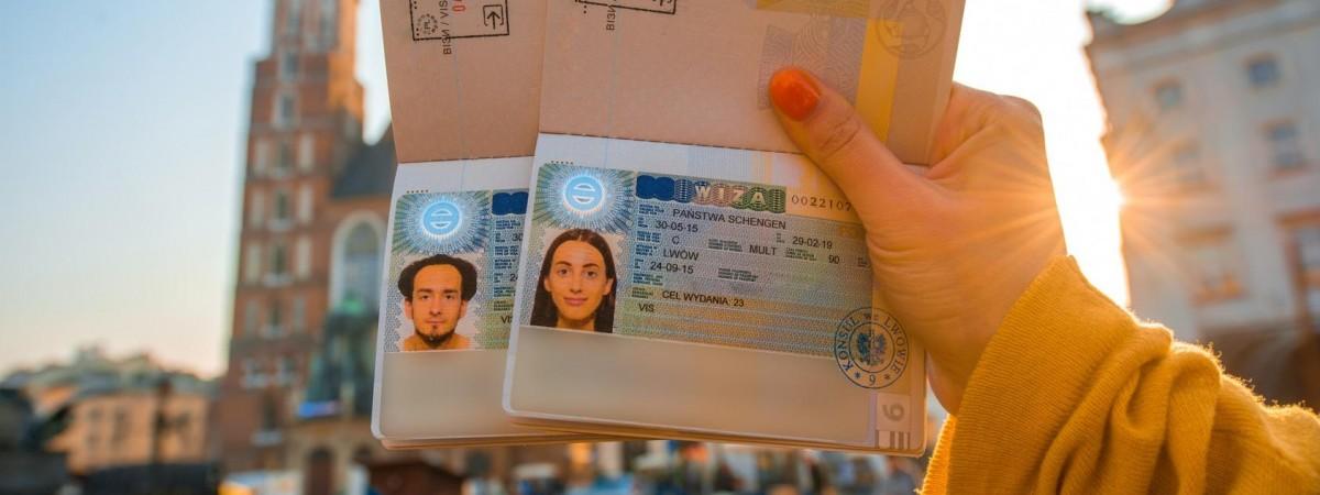 Віза в Польщу: які черги для подачі документів по містах України