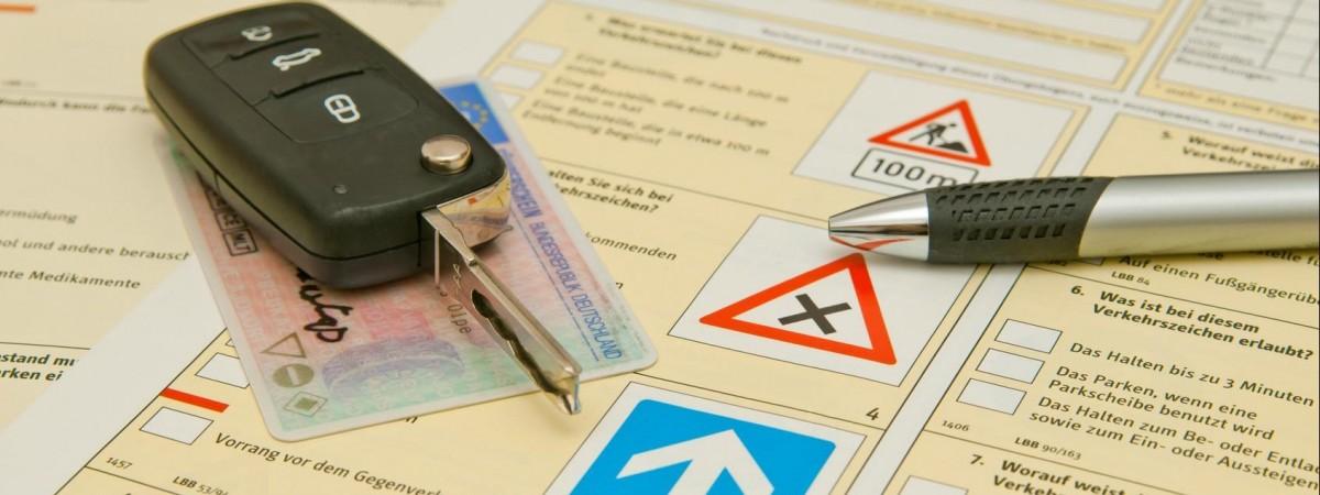 Как получить права в Польше? Обязательно ли менять украинское водительское удостоверение на польское? - отвечает юрист