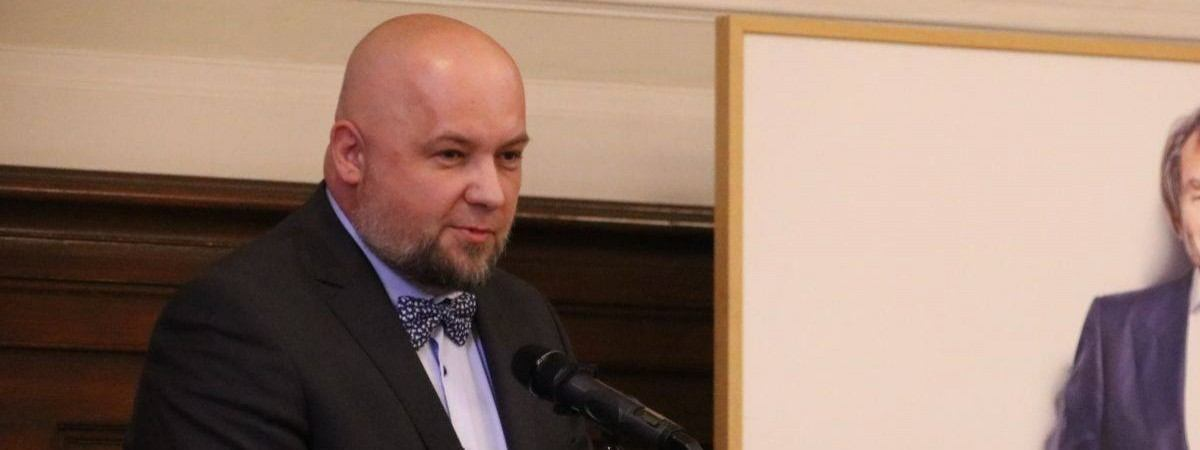 За допомогу українцям: ексконсула в Познані нагородили почесним титулом