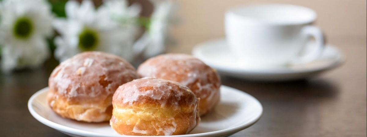 Почему поляки сегодня едят пончики?