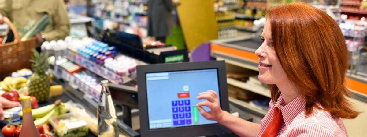 Biedronka предлагает скидки до 50%. Какие продукты можно купить по акции до конца недели?
