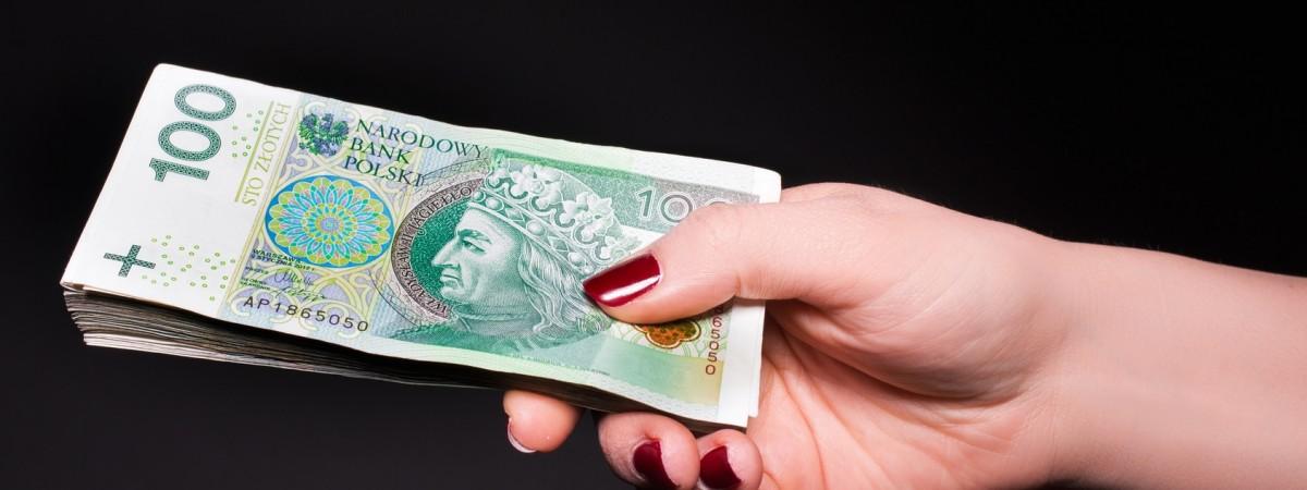 Четверо из десяти поляков считают, что заробитчане из Украины сдерживают рост зарплат (Исследование)
