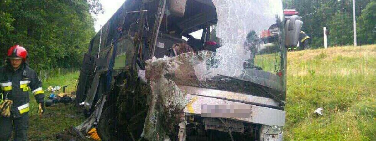 Аварія українського автобуса в Польщі: водію загрожує до 8 років, але польського суду може не бути
