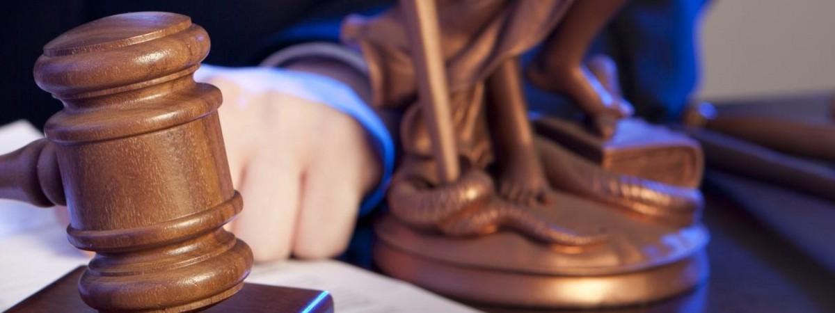 Поляк поливав лайкою в інтернеті українців. Суд відправив його … лікуватися