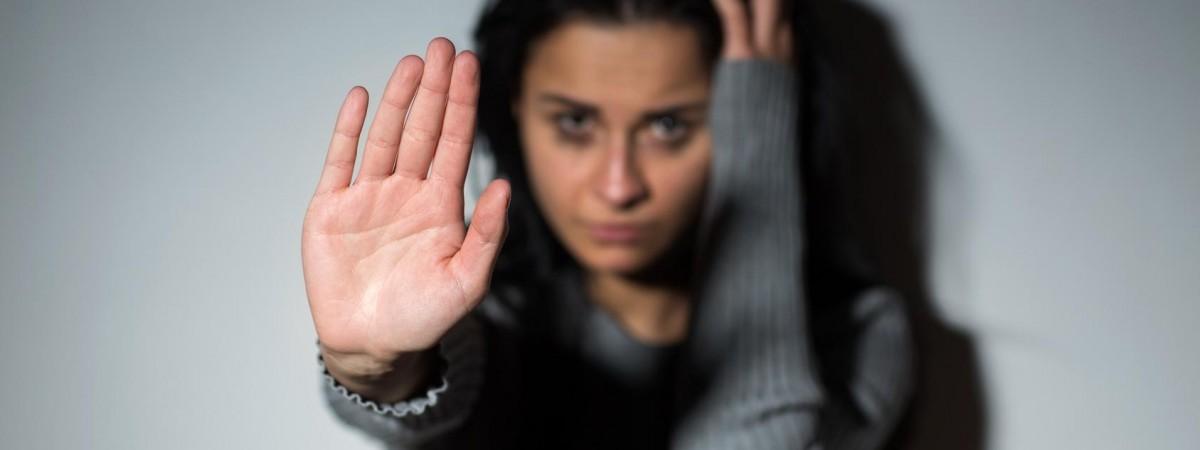 Чому жертви сексуального насильства мовчать роками? Коментар психолога