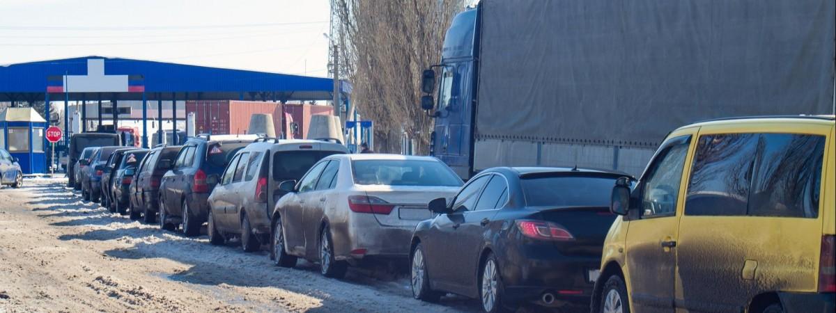 Платна електронна черга на кордоні з Польщею: де і коли запровадять та як працюватиме