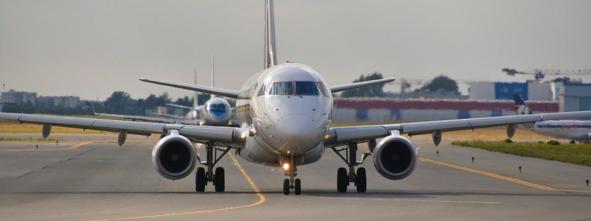 З України до Польщі літаком: компанії, рейси, розклад-2019
