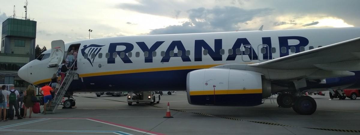 Ryanair відкриває 27 нових рейсів з Польщі: які українські міста є в списку?
