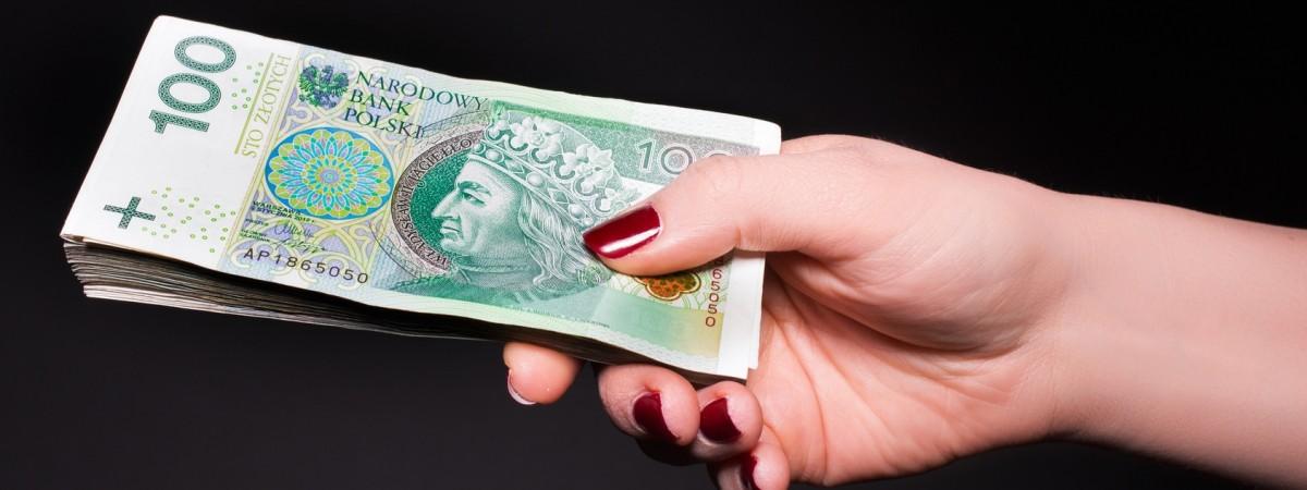 Українці в 2020 році витрачають у Польщі найменше за останні 3 роки