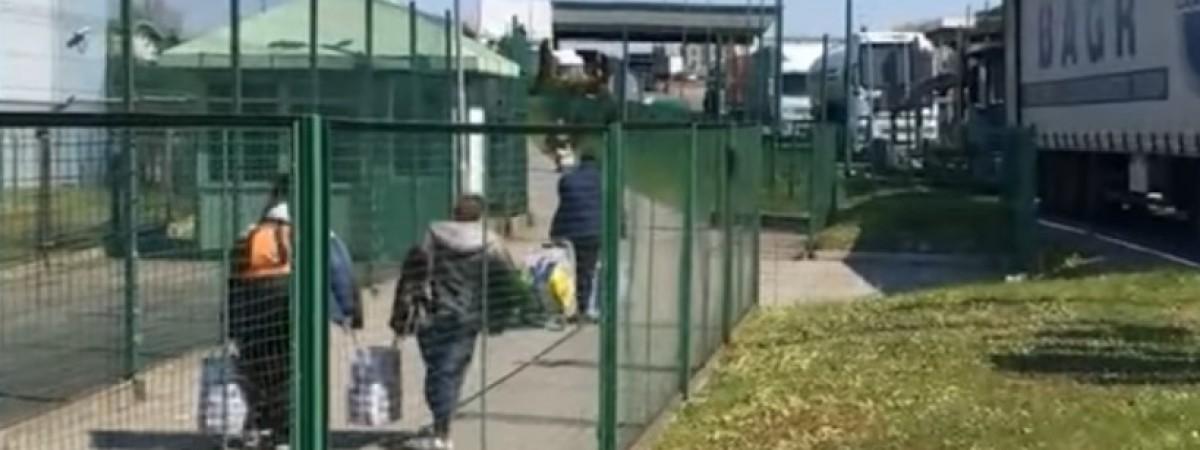 Майже 3 тис українців за останні дві доби пішки повернулися з Польщі на батьківщину