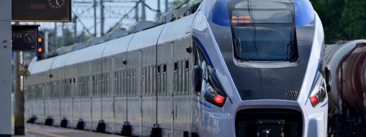 """""""Укрзалізниця"""" обіцяє взимку запустити 2 нові потяги до Польщі"""