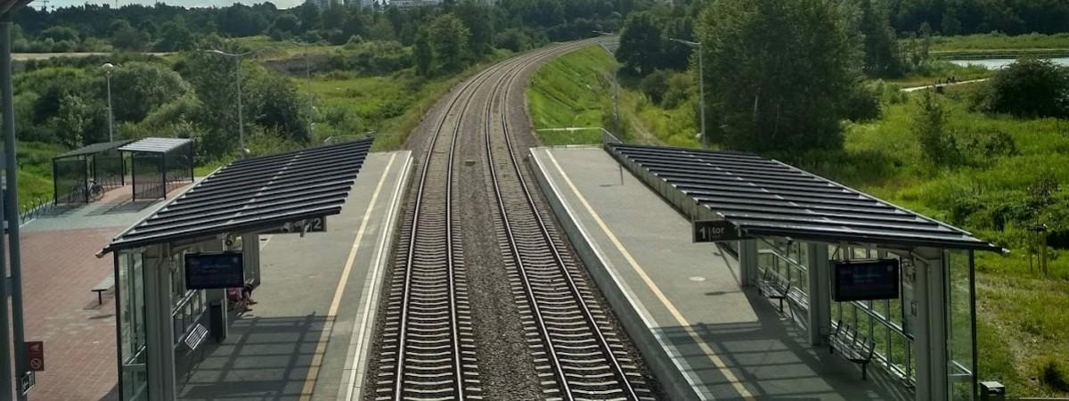 У Польщі українець лежав під самісінькими рельсами. Потяг не встиг загальмувати