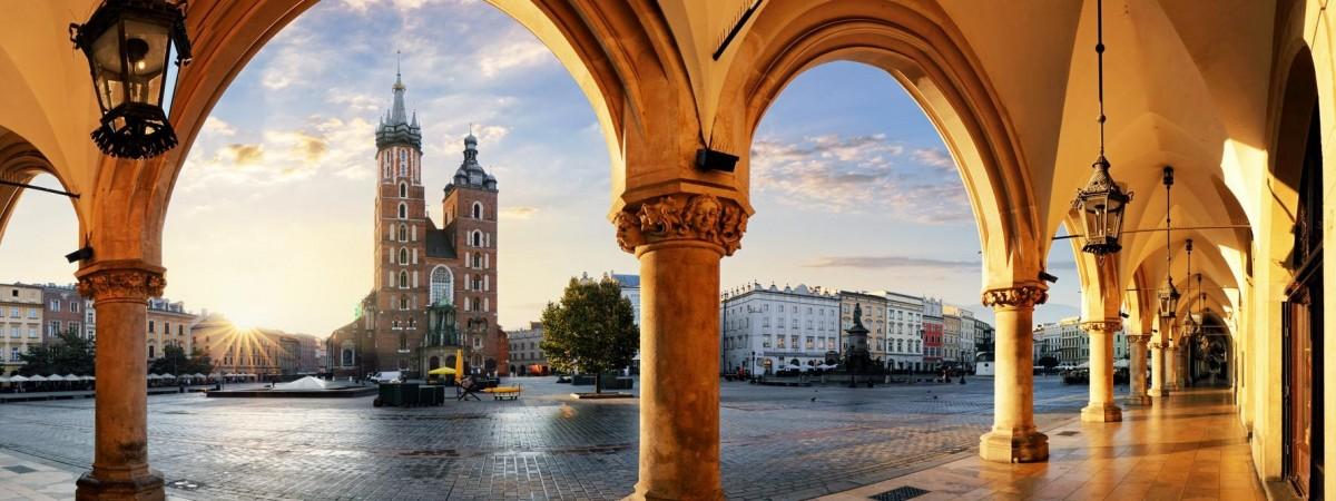 Ціни в Польщі знизять навпіл: акція від готелів, музеїв, ресторанів, транспорту й не тільки