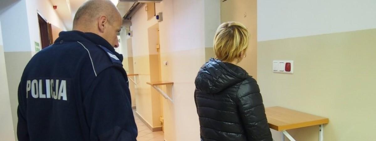 Українку депортували під конвоєм: приклади халеп, в які заробітчани потрапляють у Польщі