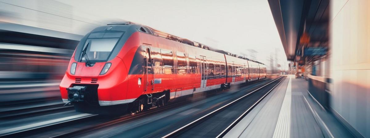 Польська залізниця заблокувала продаж квитків на низку потягів у грудні