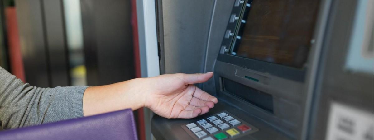 У Польщі попередили, що будуть вилучати підозрілі банкноти
