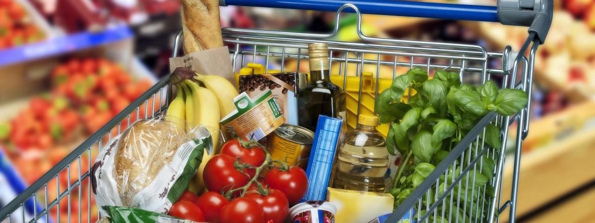 Сало, алкоголь и сладости: Biedronka объявила украинскую неделю