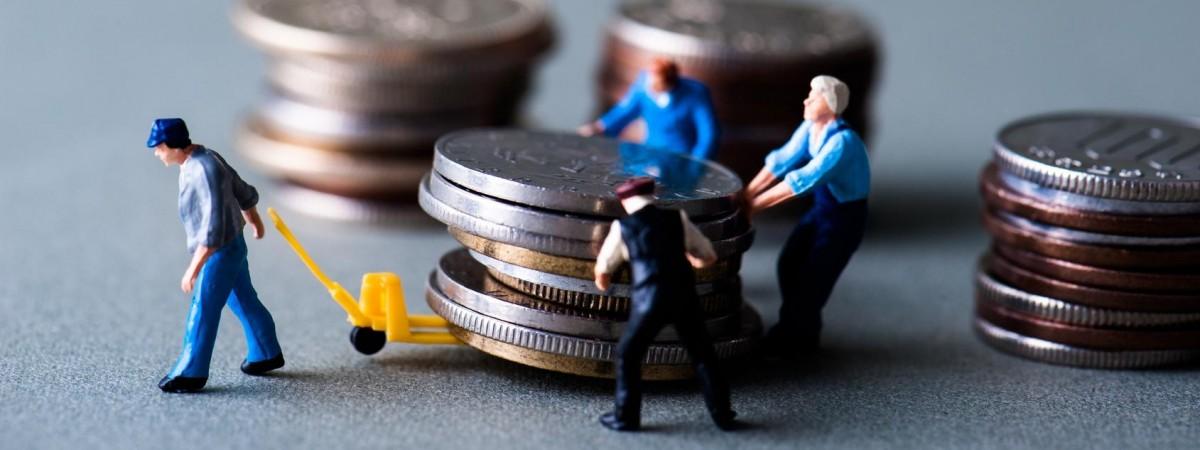 В Украине посчитали, сколько денег должны получить от заробитчан. Больше всего - из Польши
