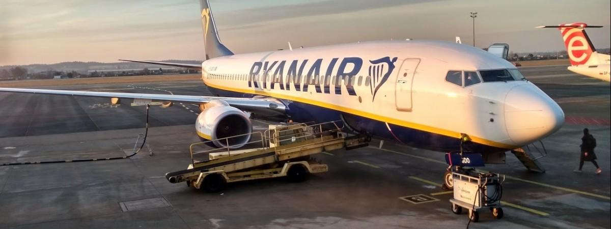 Ryanair будет летать в Польшу еще с 2-х городов Украины: уже с июня 2019 года