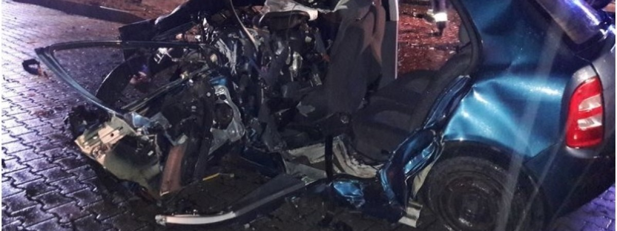 У жахливій ДТП в Польщі загинуло двоє українців: авто влетіло в дерево на шаленій швидкості