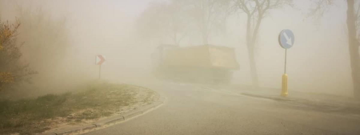 Пыль из Сахары добралась до Европы: в Польше начались песчаные бури (ВИДЕО)
