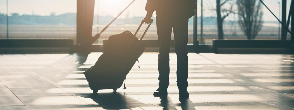 Літаком з Польщі до Києва, а потім назад: як одному з пасажирів і 5 тис доларів не допомогли