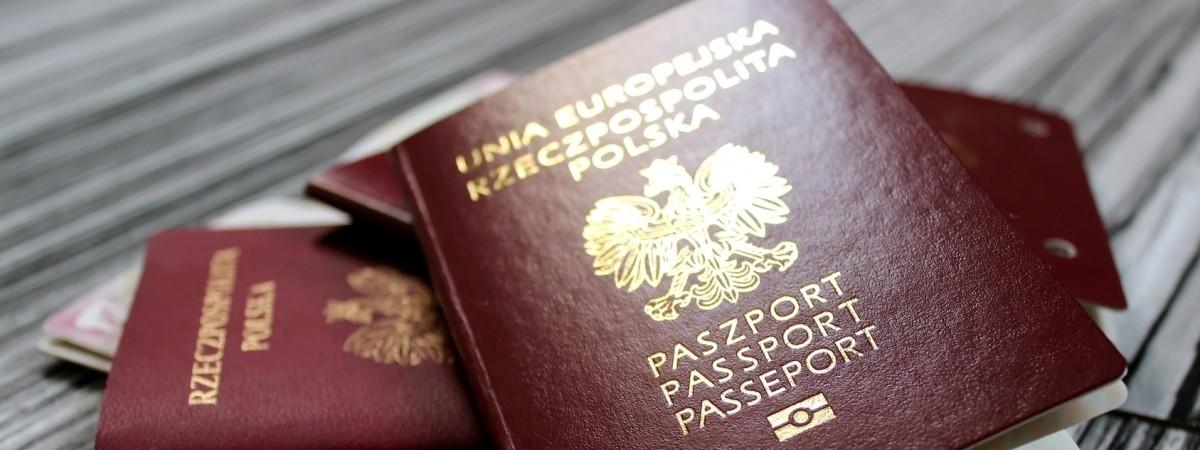 Польский паспорт визнали втричі ціннішим від українського