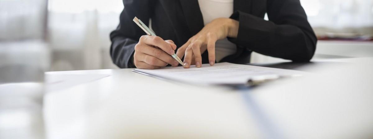 Українці стали частіше просити дозвіл на проживання з правом роботи в Польщі (статистика)