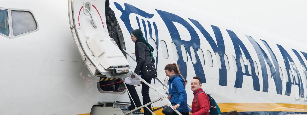 Ryanair поднял цены на отдельные услуги. Летать с багажом станет дороже