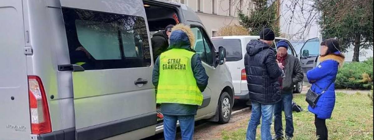 По 300 зл штрафу і не тільки: українців викрили в Польщі на нелегальній праці при виробництві меблів
