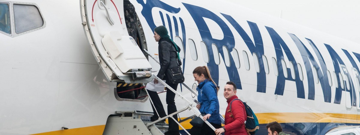 З України до Польщі літаком: запрацювали нові авіасполучення компанії Ryanair (розклад рейсів)